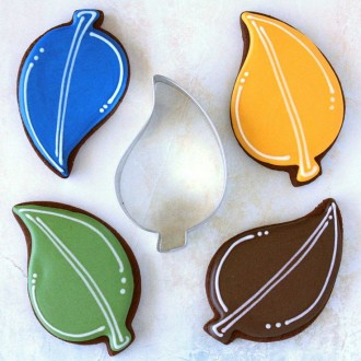 "Teardrop Leaf Cookie Cutter 3 3/4"" x 2 3/8"""