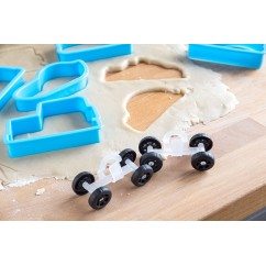 Bakelicious Car Cookie Cutters and wheels, 17-Piece Set