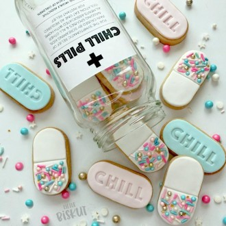 Little Biskut Chill Pill Stamp and Cutter Set
