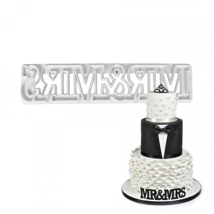 FMM Mr & Mrs Curved Words Cutter